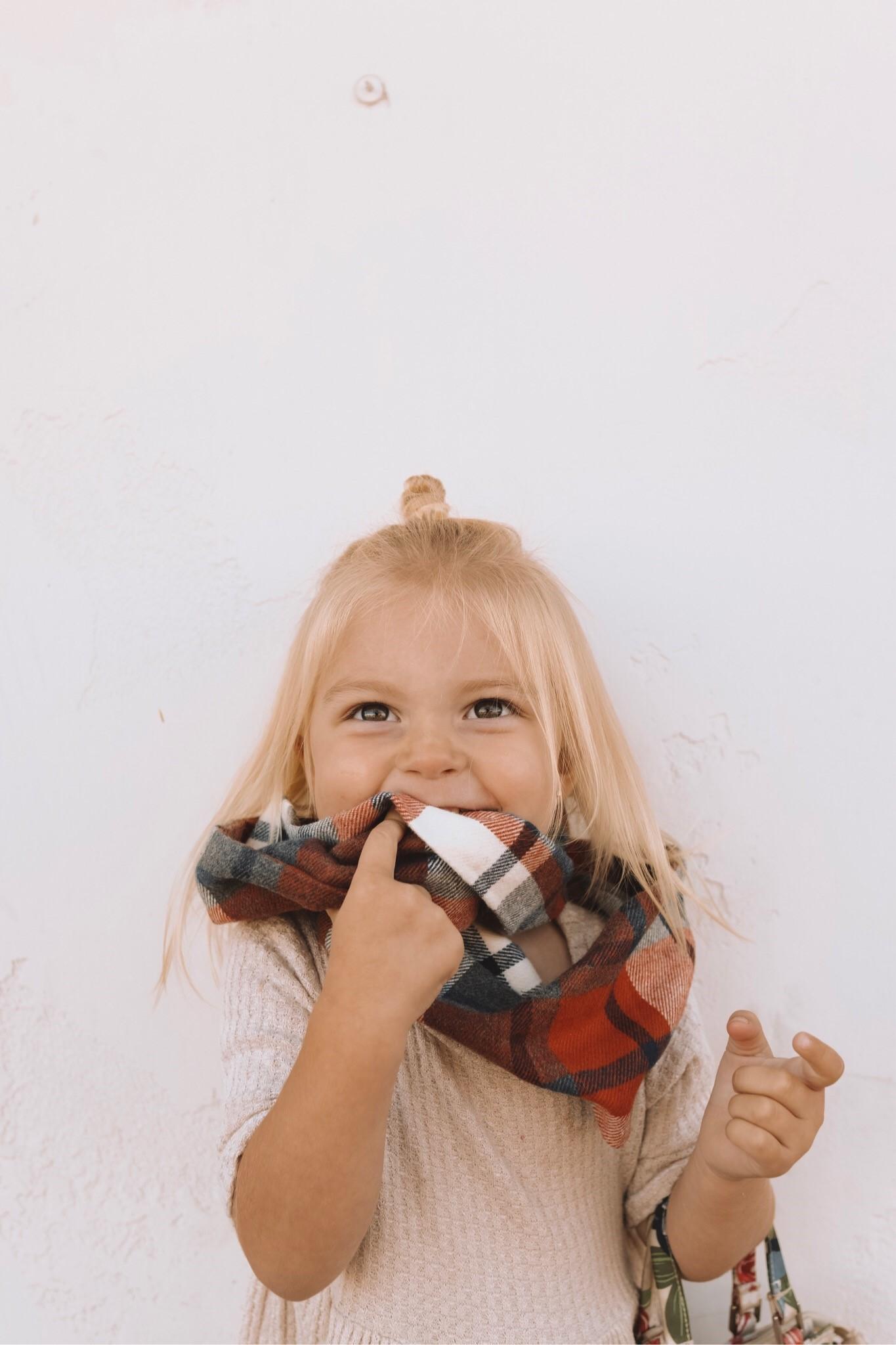 32 Kids infinity Scarves - The Overwhelmed Mommy Blogger
