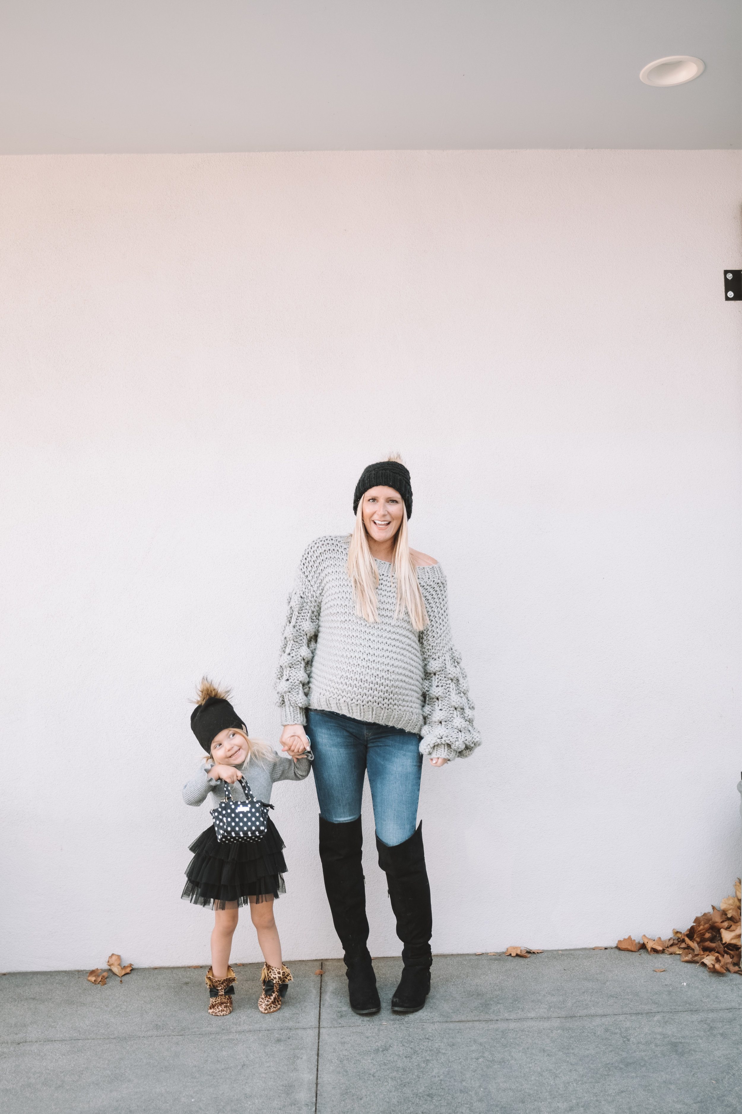 Mommy and Me Clothes Outfits - Cute Maternity Fashion - The Overwhelmed Mommy Blogger