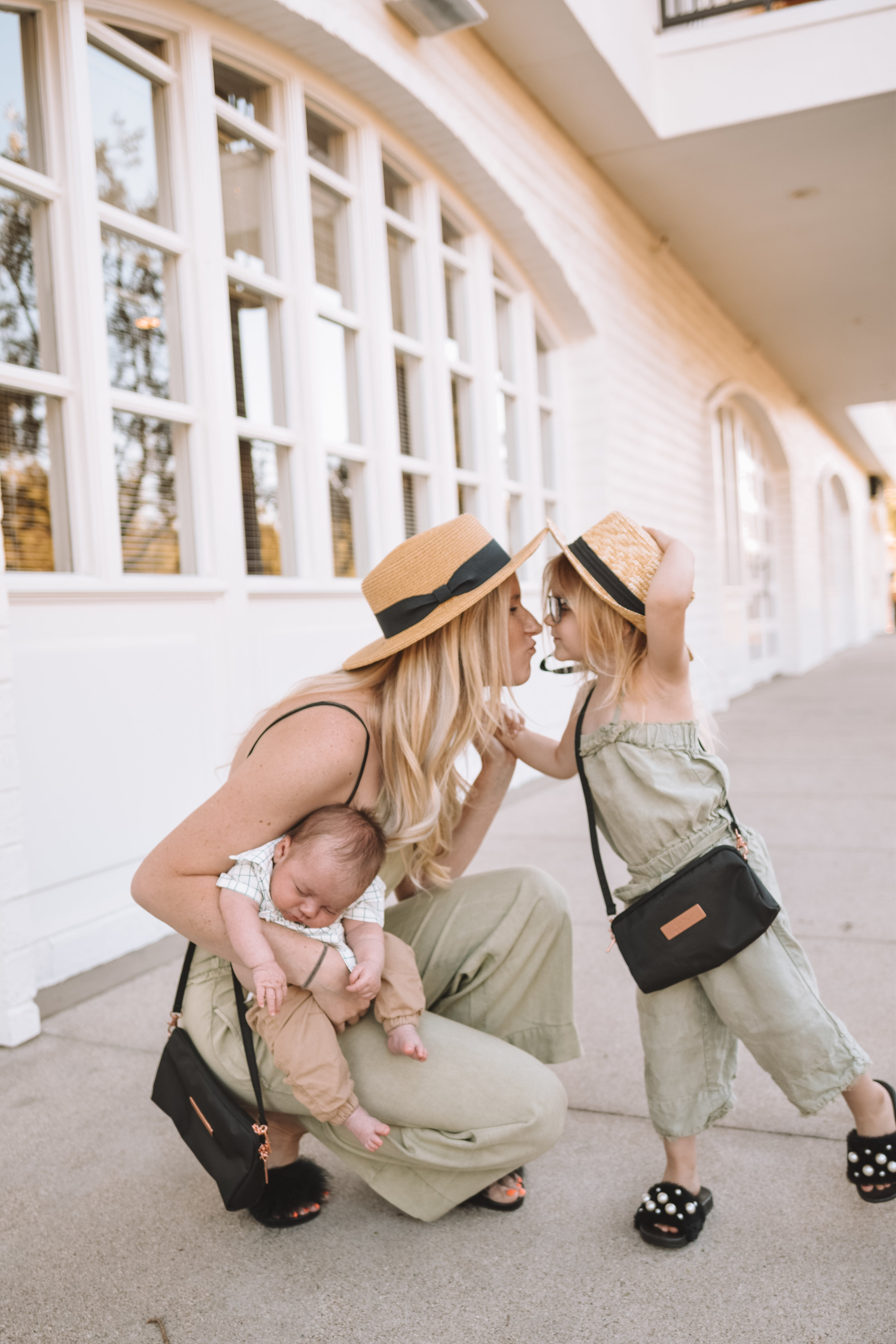 7 Non-Material Mother's Day Gift Ideas [what moms really want] - The Overwhelmed Mommy Blogger