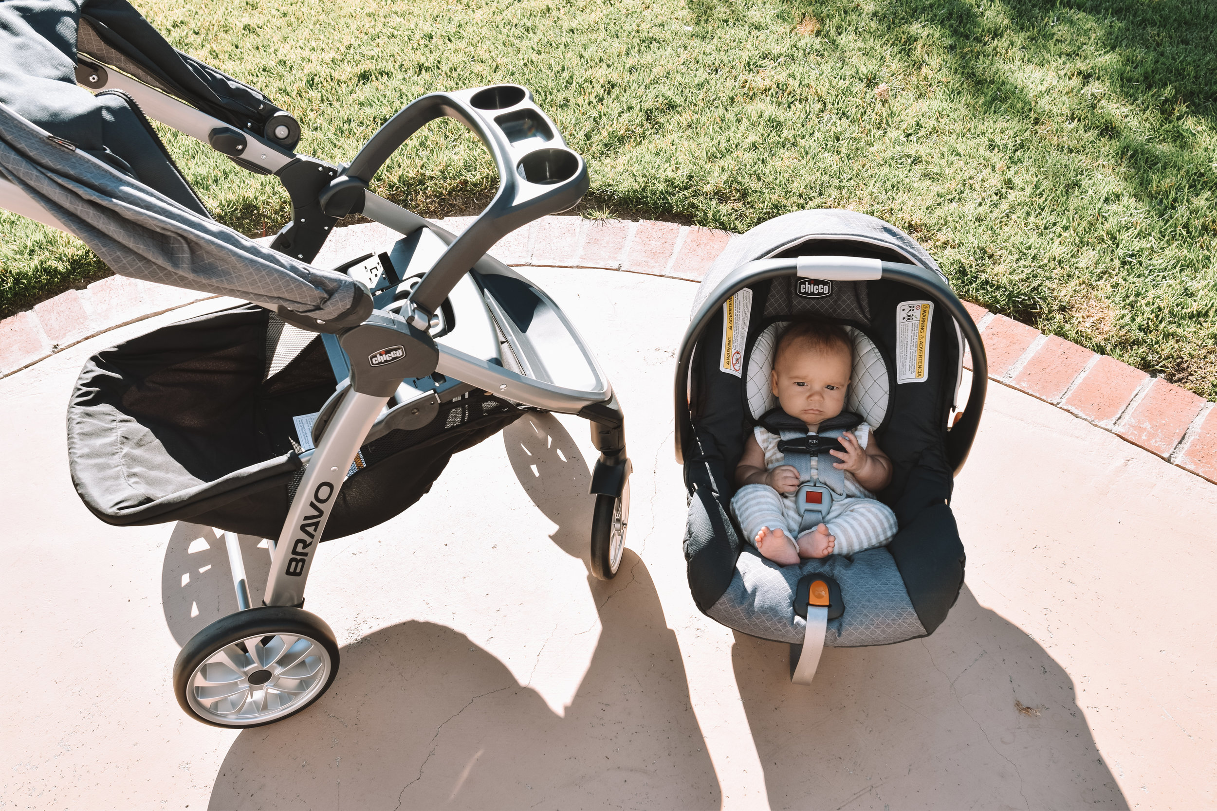 Chicco Bravo Review - A Stroller Made for Moms - Compact Convertible Stroller - The Overwhelmed Mommy Blogger