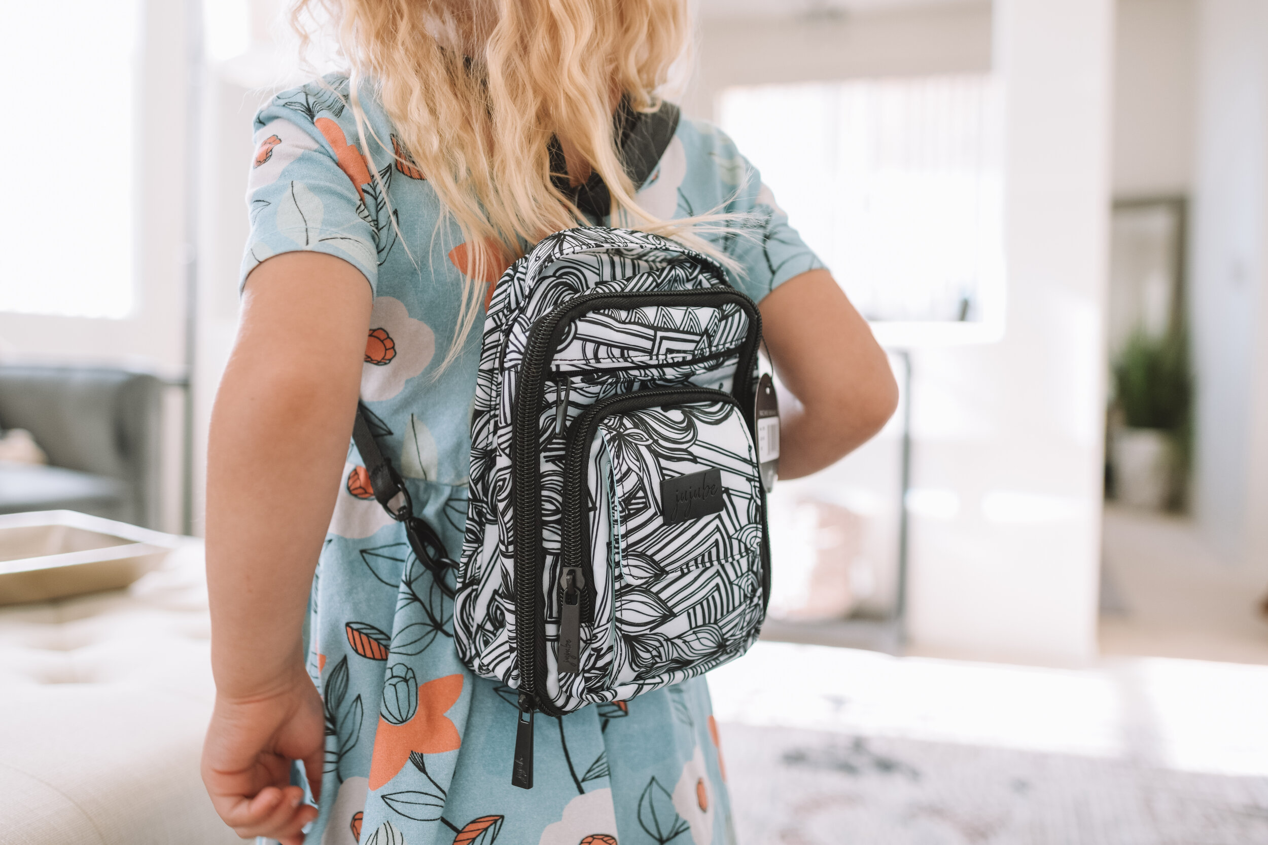 JuJuBe Sketch Mini Be Right Back BRB - The Overwhelmed Mommy Blogger
