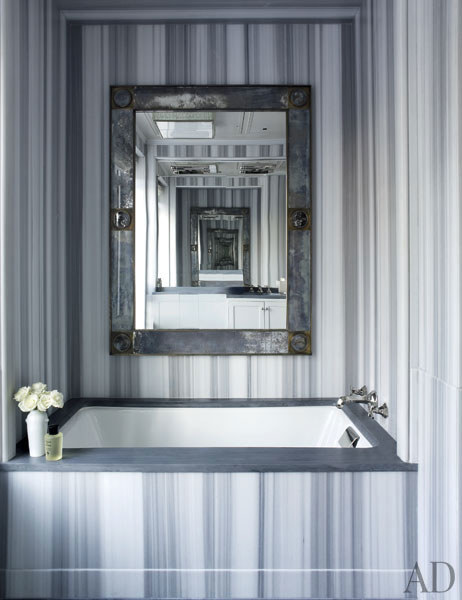 dam-images-decor-2013-10-gray-rooms-gray-rooms-04-michale-s-smith-central-park-apartment-bath.jpg