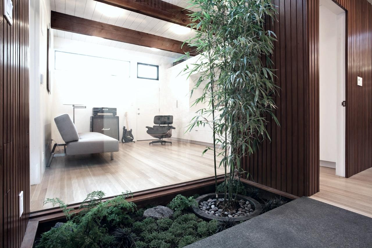 Roundup-Int-Courtyard-6-Eichler-Expansion-Klopf.jpg