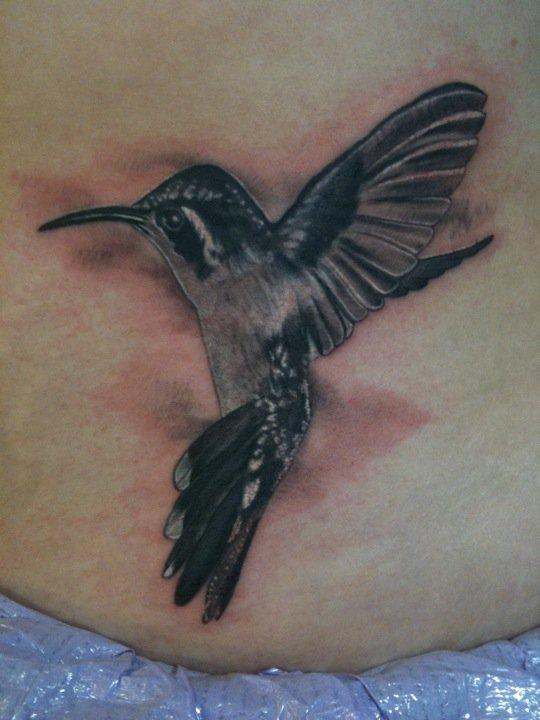 Black_and_grey_hummingbird_tattoo.jpg