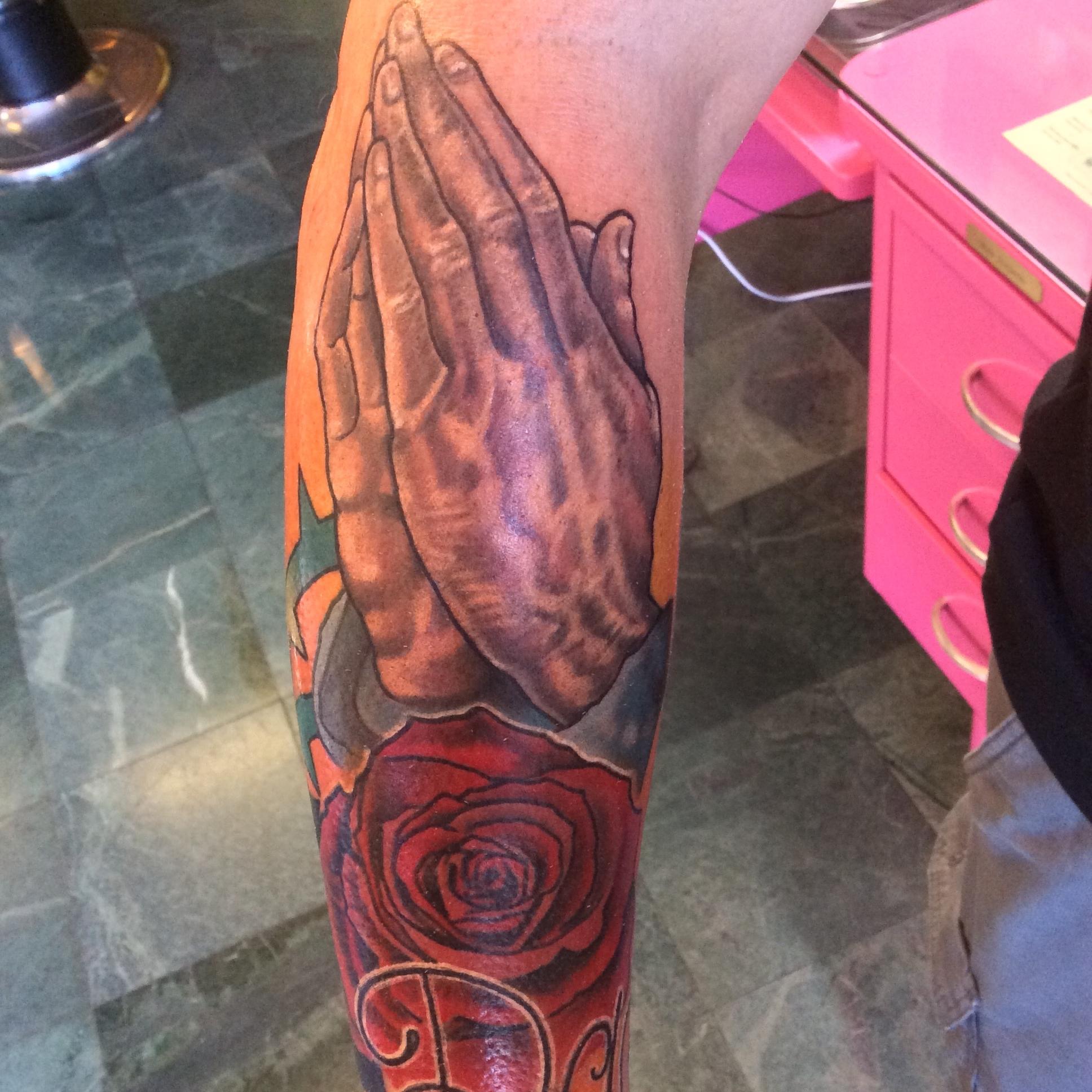 Praying_hands_tattoo.jpg