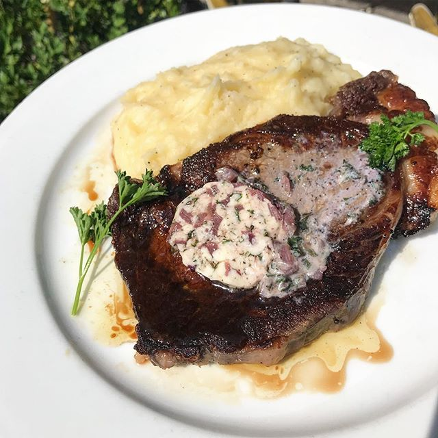 The apple of our RibEYE 🥩 is crushing the #dineoutboston game! $33 for three courses... yes, this is real life! See you after 5 o'clock 👋🏻 📍8oz ribeye steak, mashed potatoes, and red wine compound butter