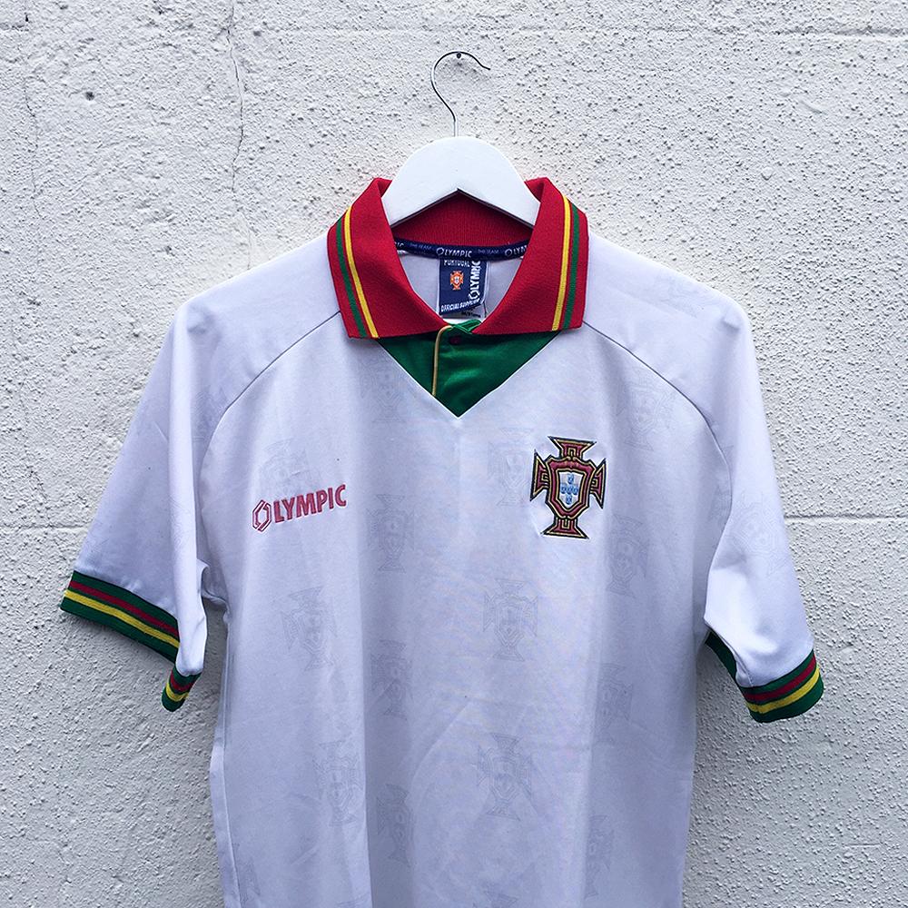 Portugal 1995/96 Vintage Away Shirt