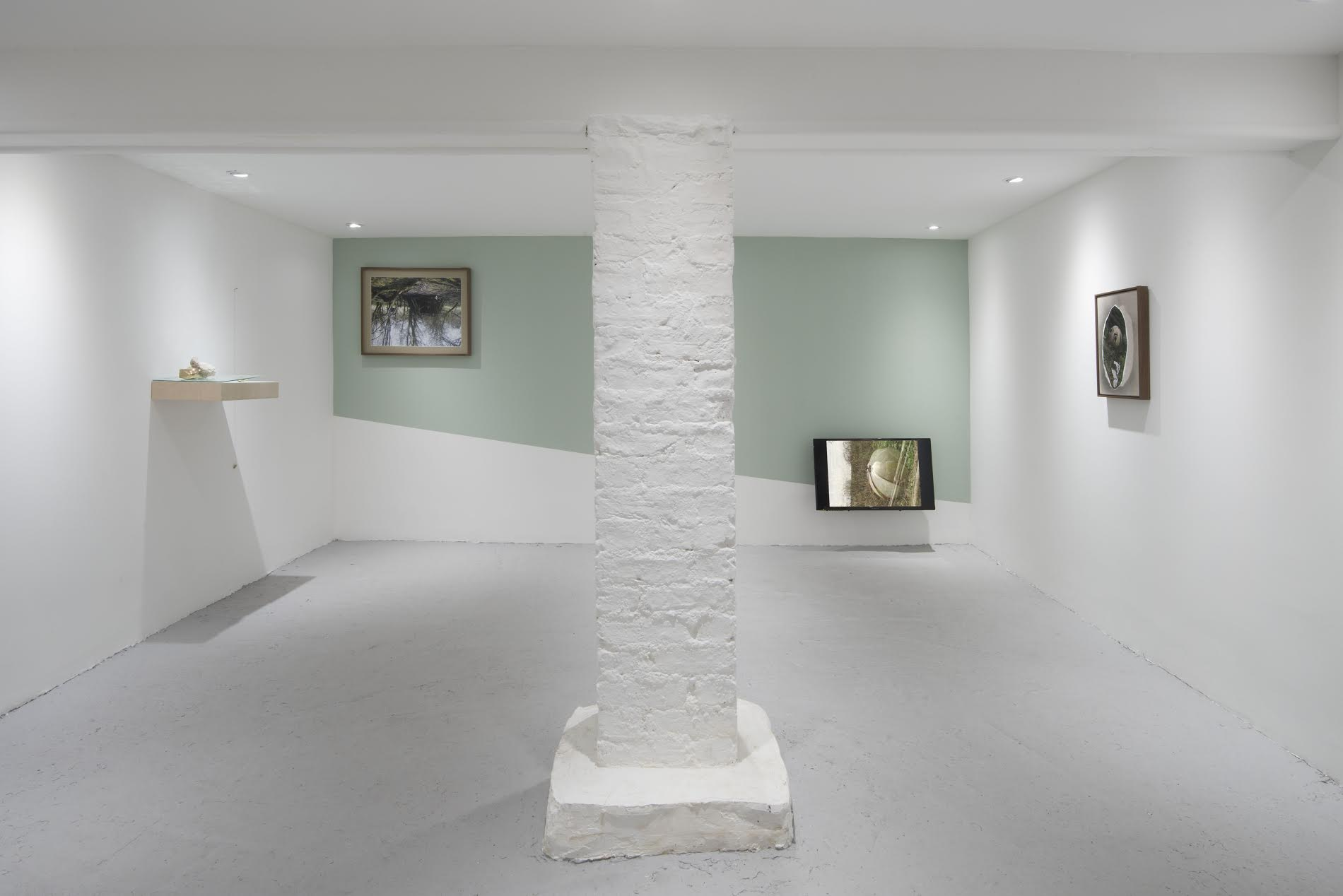 Kate McMillan - Stones for Dancing, Stones for Dying (Castor Projects)