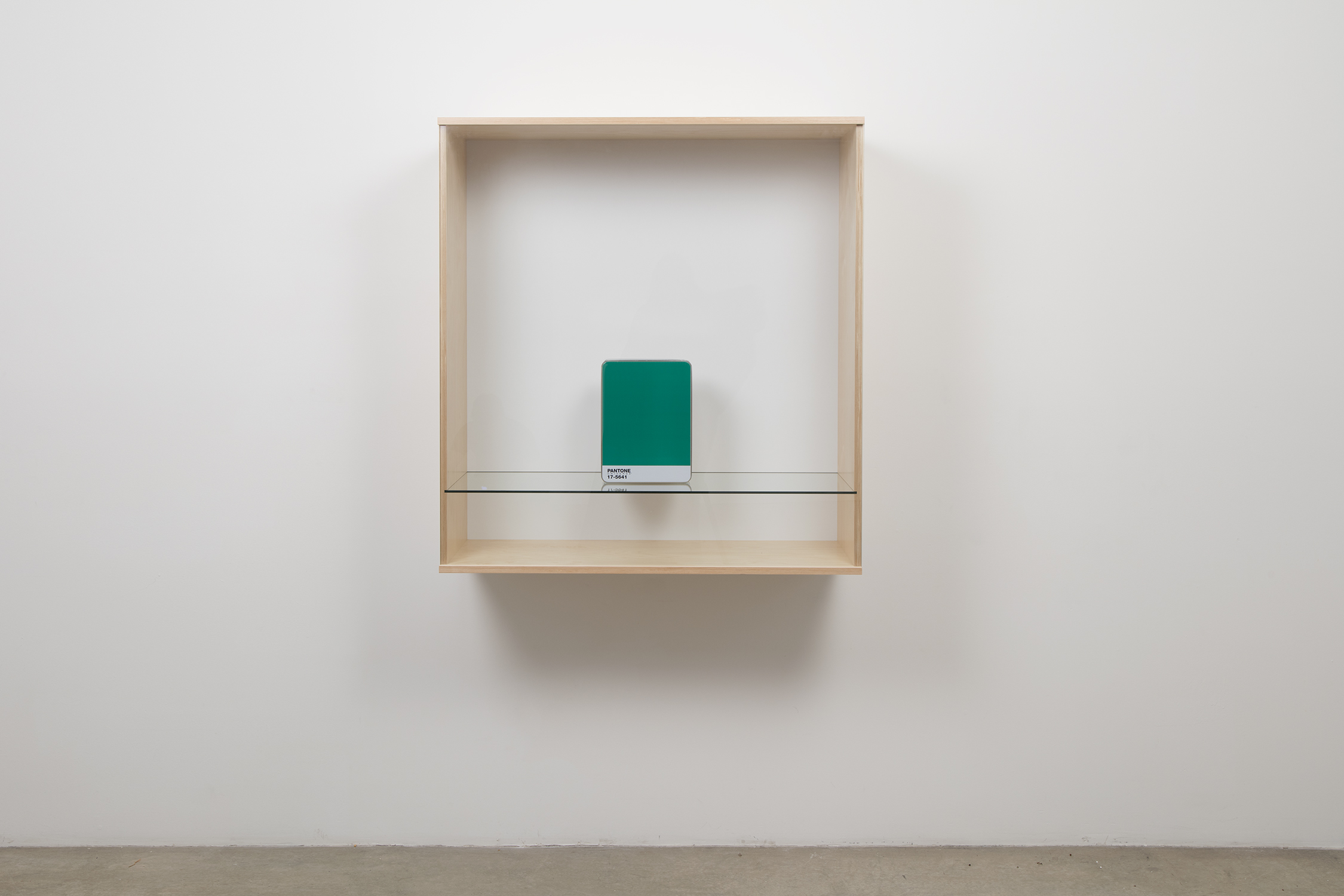 Untitled (Pantone 17-5641) , 2016, Baltic birch plywood, plastic laminate and glass box, metal Pantone storage box, 41 3/8 x 39 3/8 x 17 1/2 in. (105.1 x 100 x 44.5 cm). Courtesy of the artist and Tanya Bonakdar Gallery, New York / Los Angeles