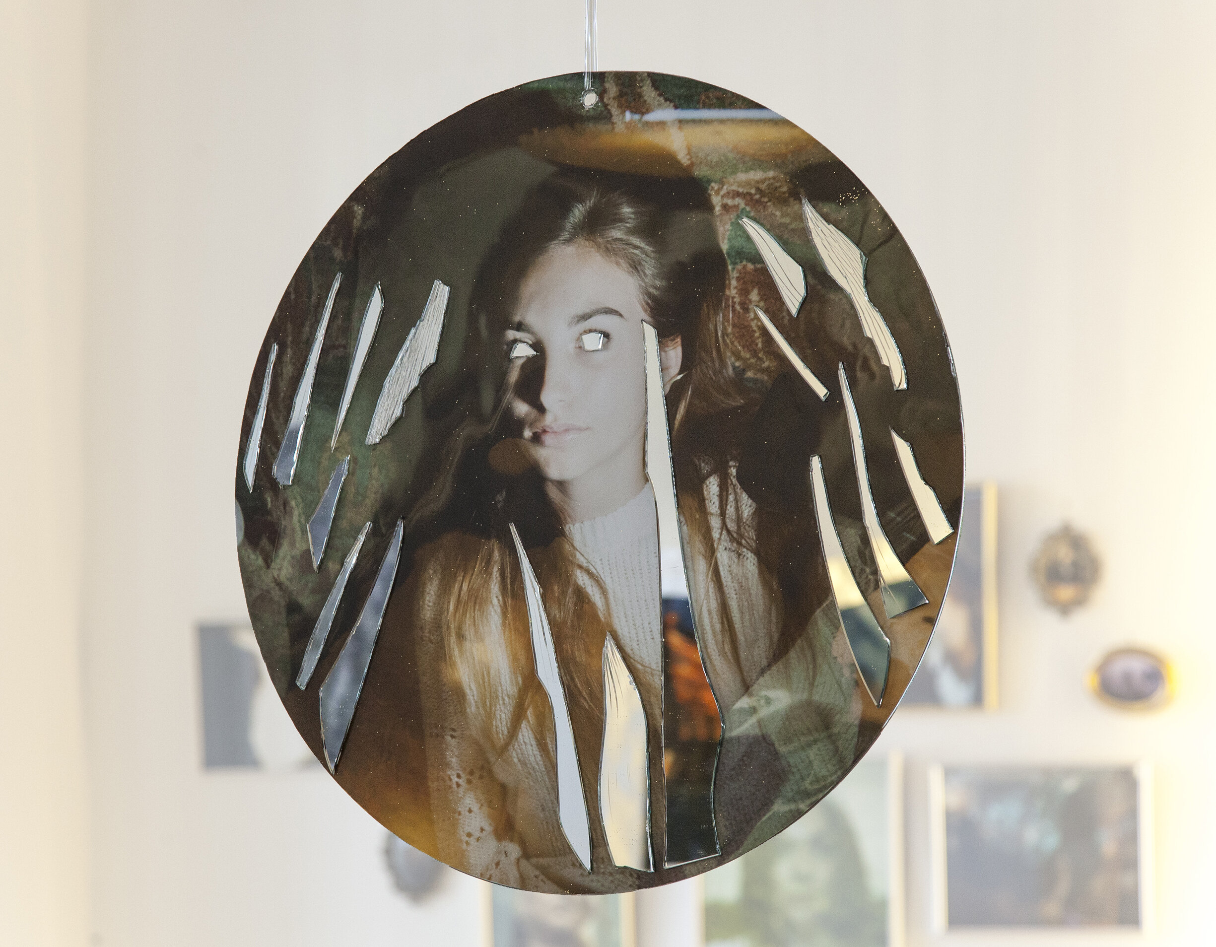 2 faced , side 01, Gyclee print on mirror, acrylic gel+glitter, 20x20in, oval, 2019