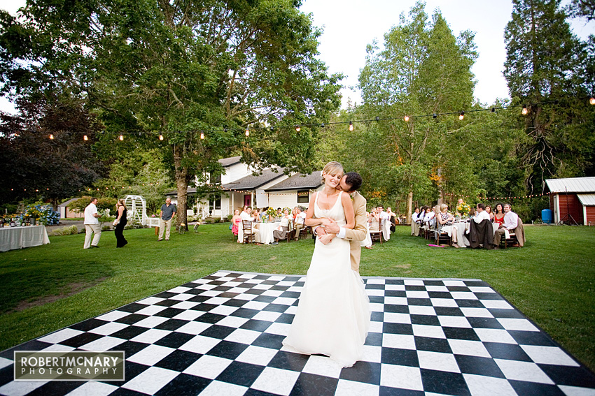 A DIY Wedding in Oregon with Images by Robert McNary Photography