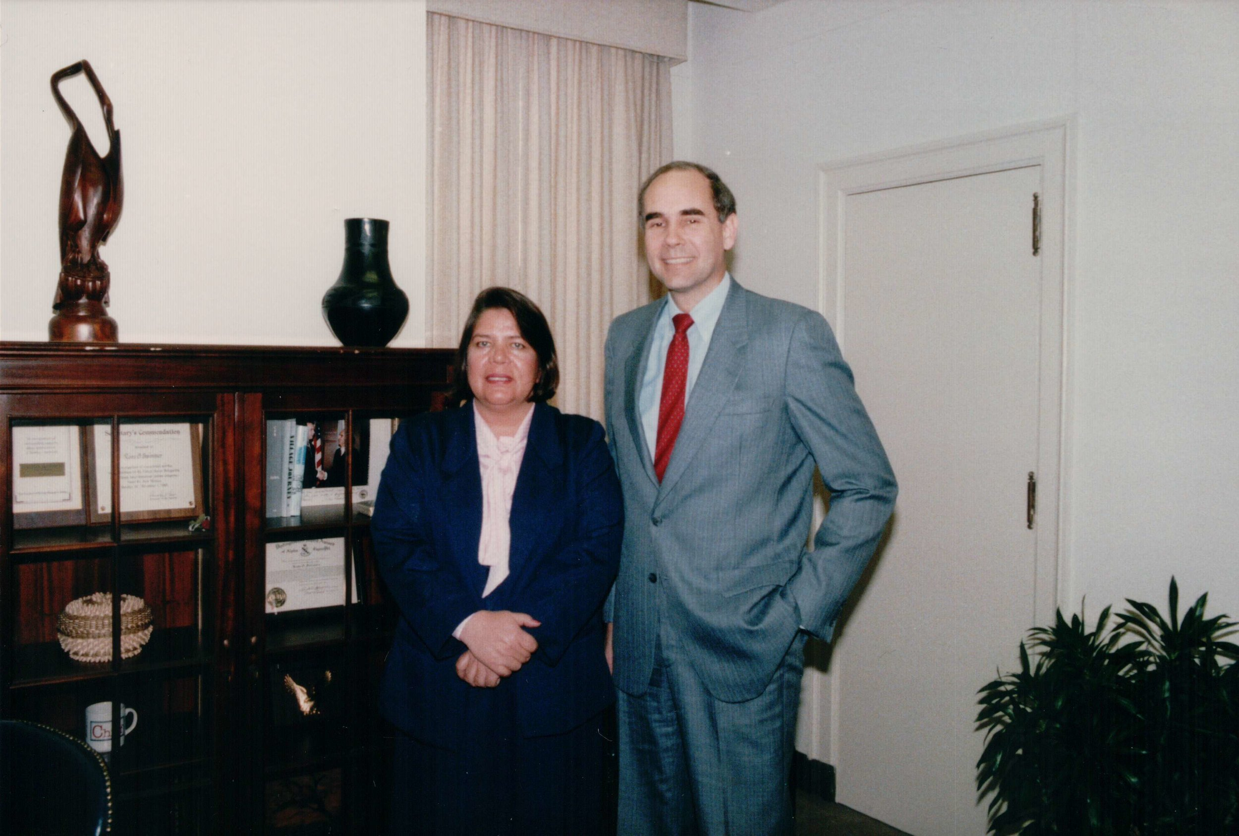 Wilma Mankiller and Ross Swimmer pose in office
