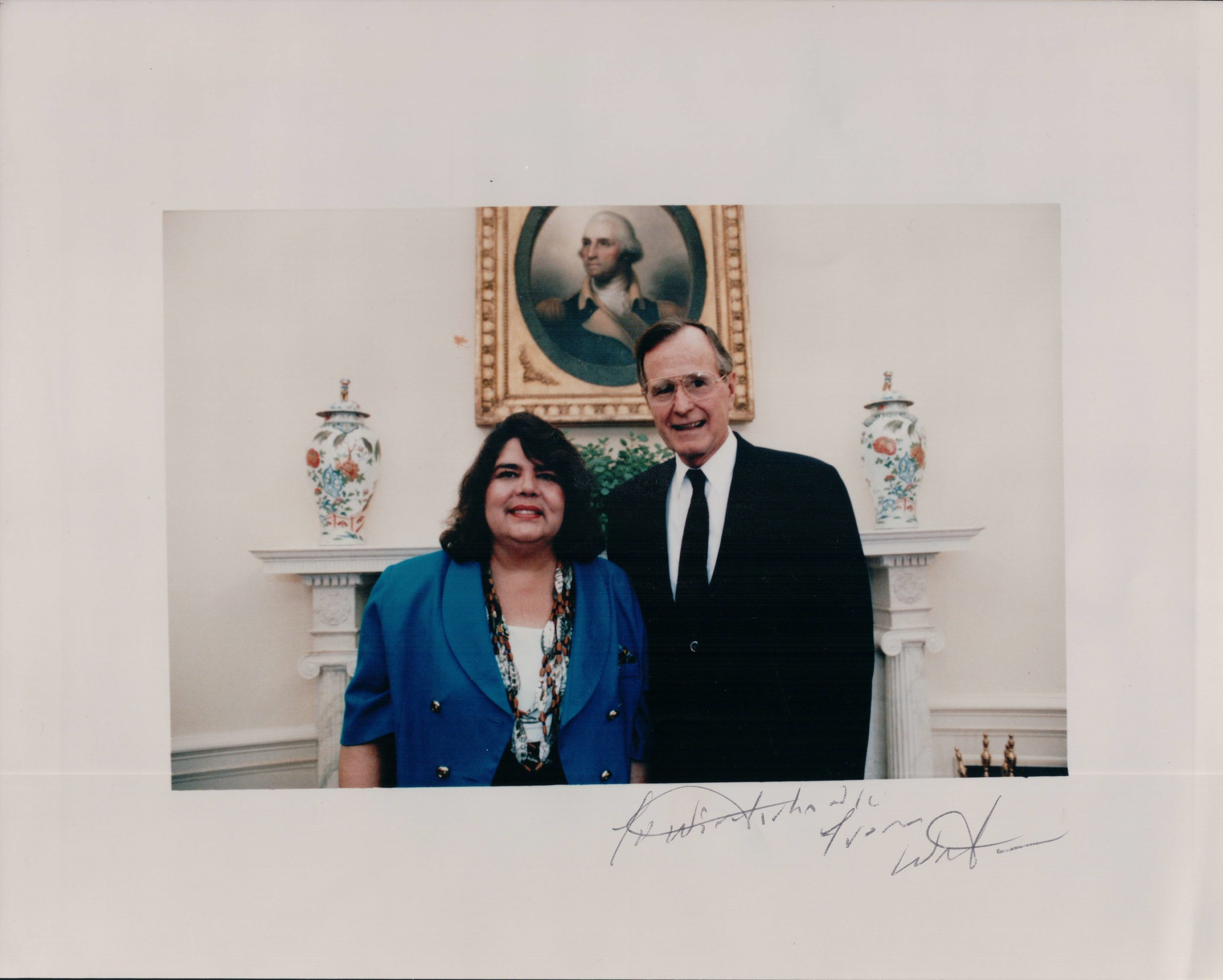 Wilma Mankiller and U.S. President George H.W. Bush pose at the White House