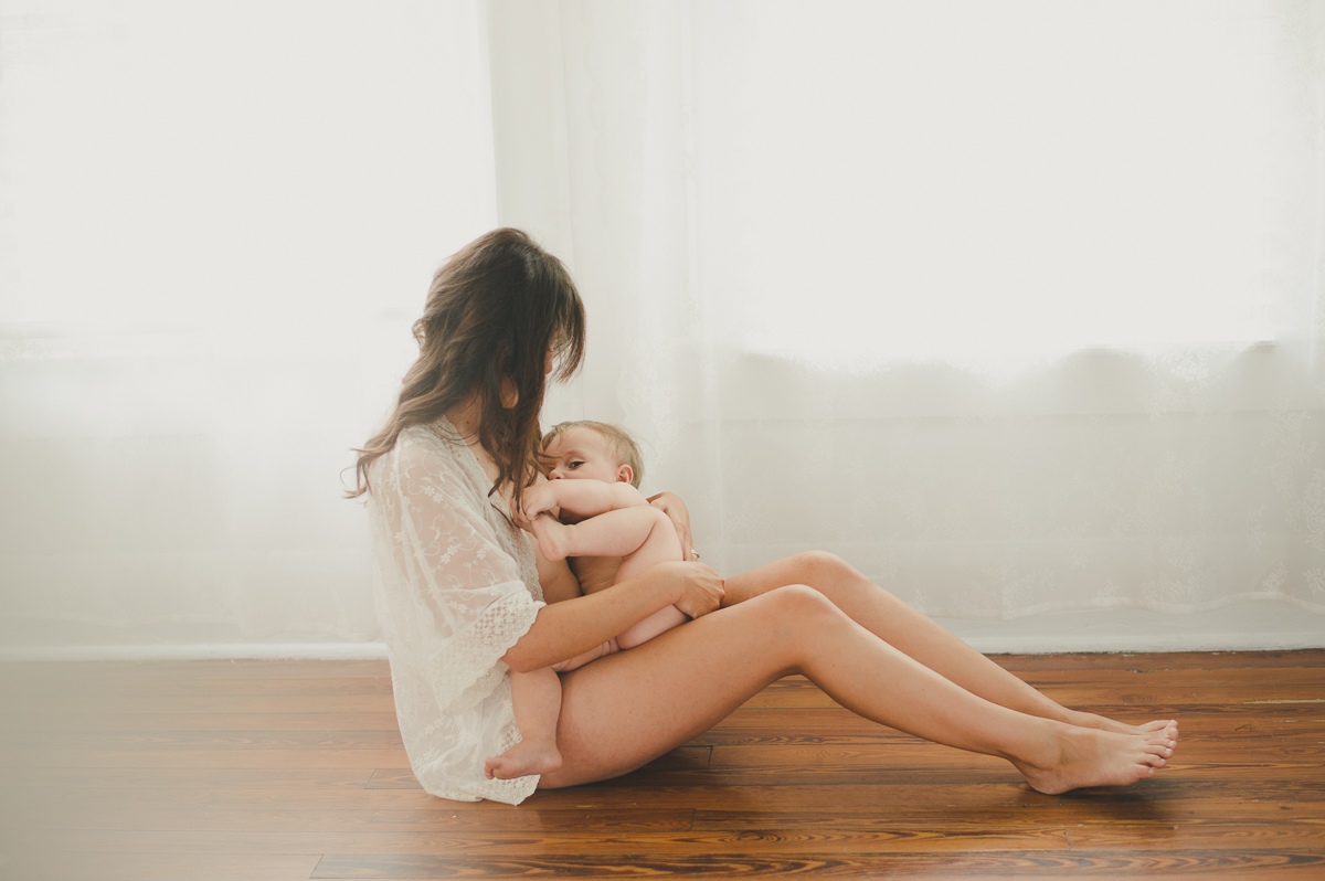 Mommy-Boudoir-Session-with-Baby-088.jpg