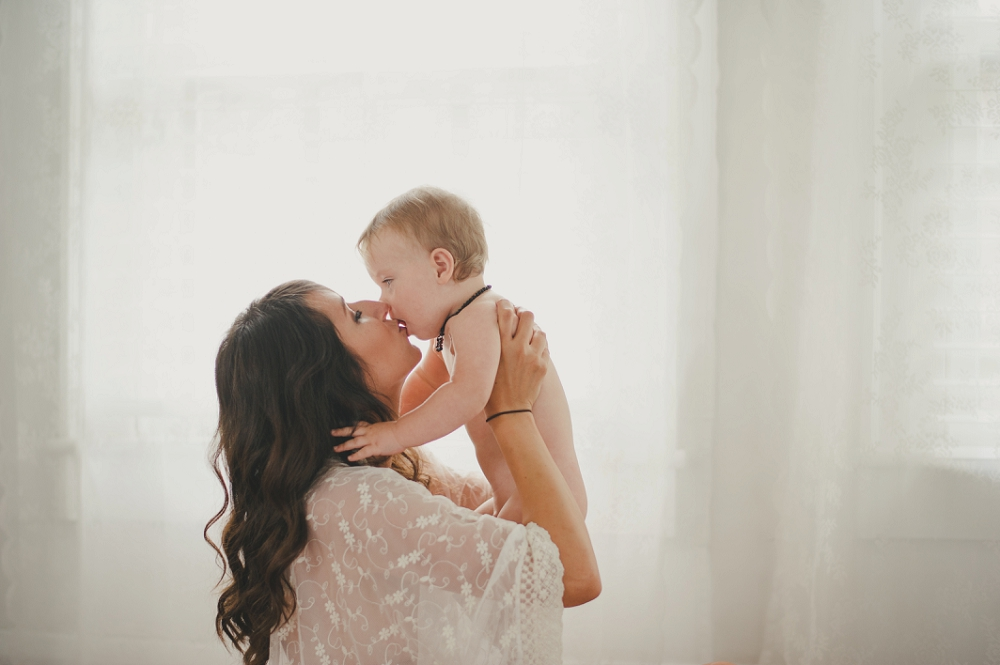 Mommy-boudoir-session-with-baby-Nichole&Liam-26_blog.jpg