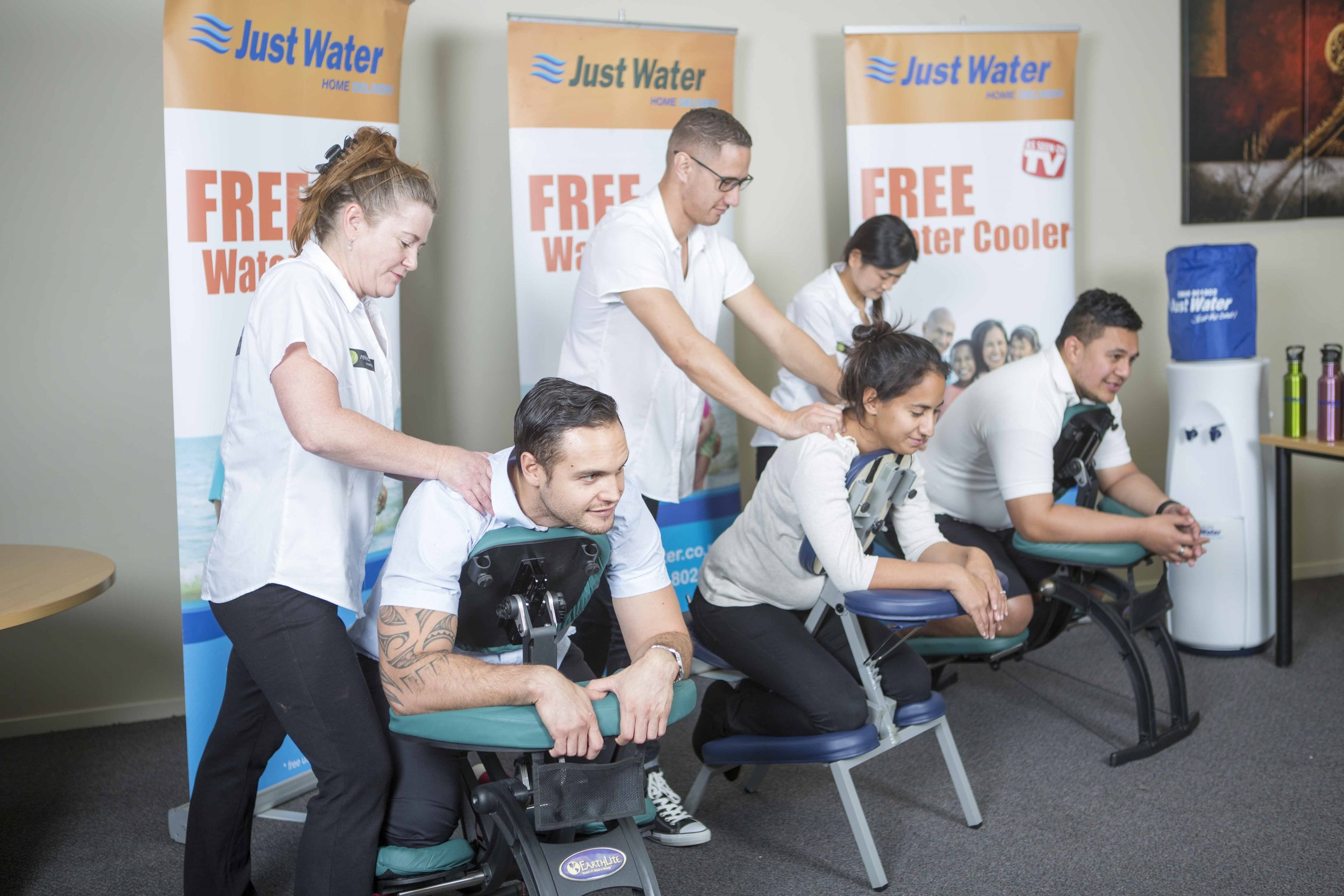 Mobile onsite massage for workplaces