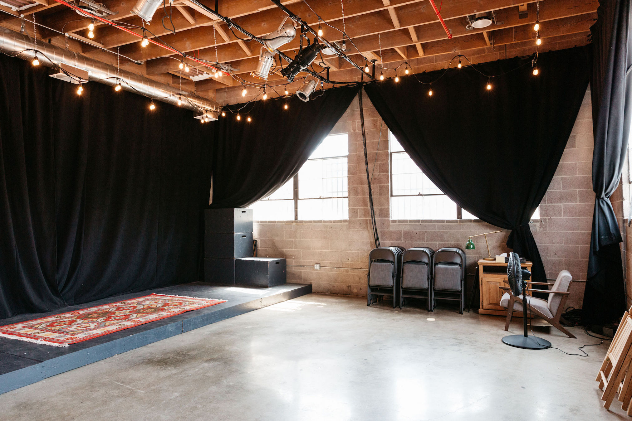 small-warehouse-space-los-angeles.jpg