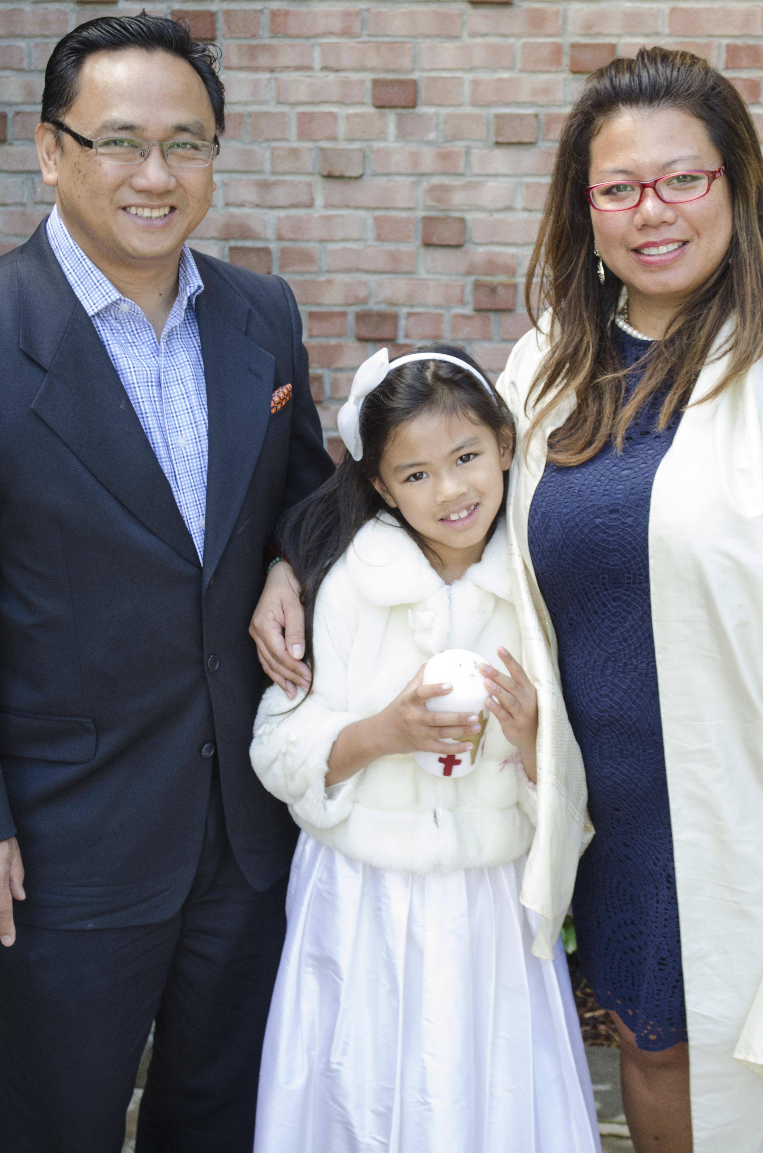 The_Family_at_the_church_2.jpg