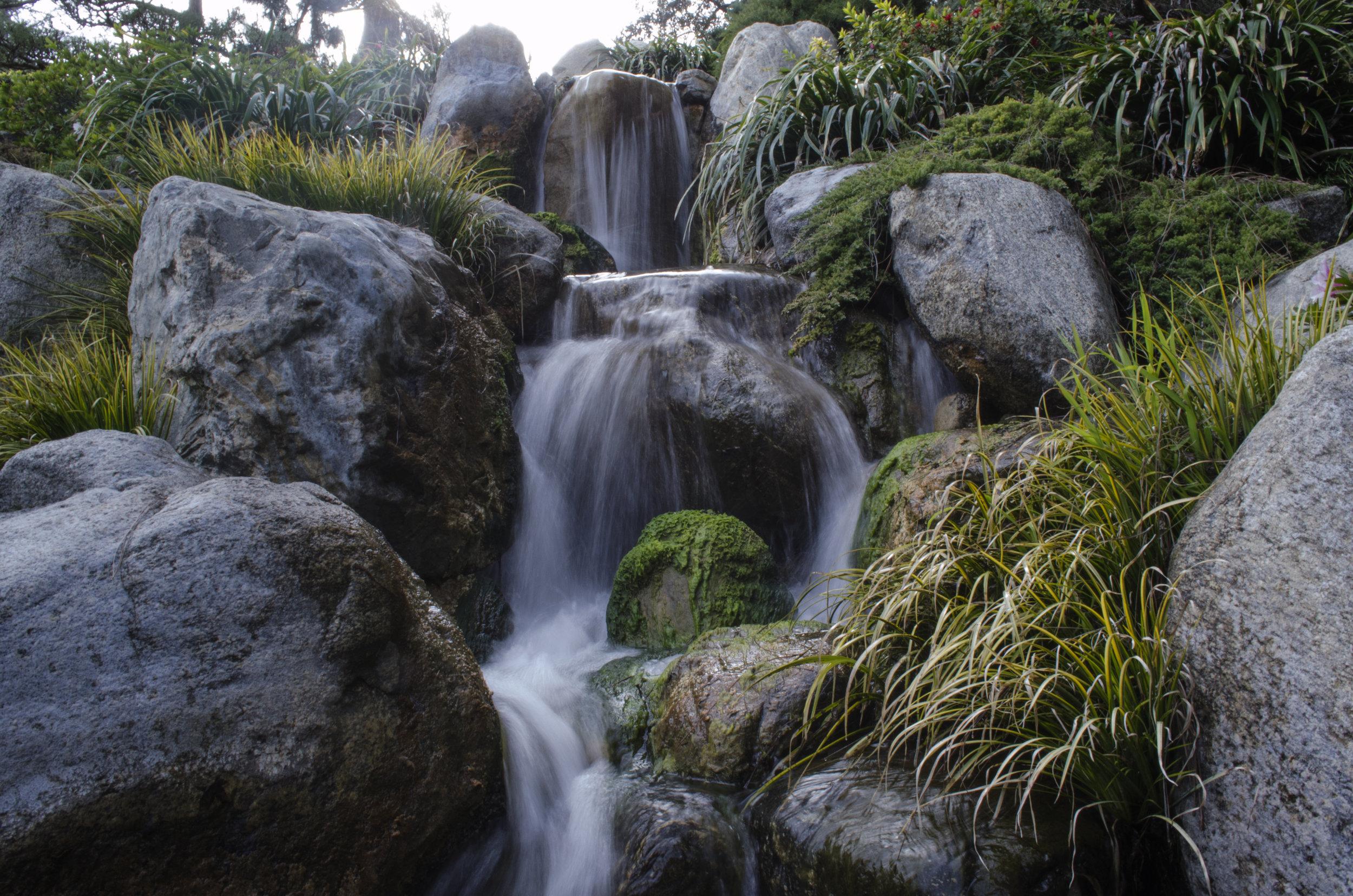 waterfall-in-la_33405571516_o.jpg