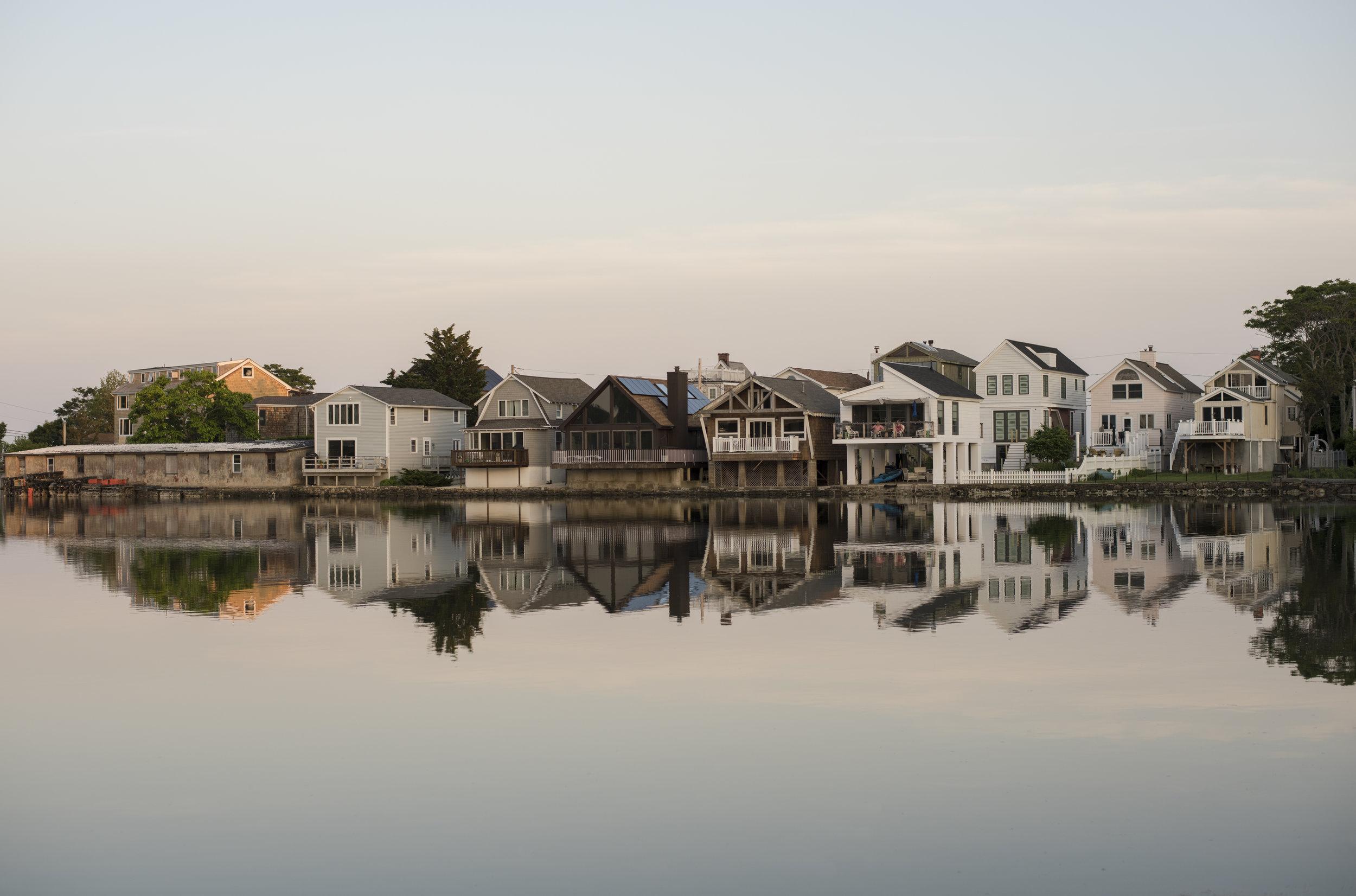 dusk-on-the-water_42652381752_o.jpg