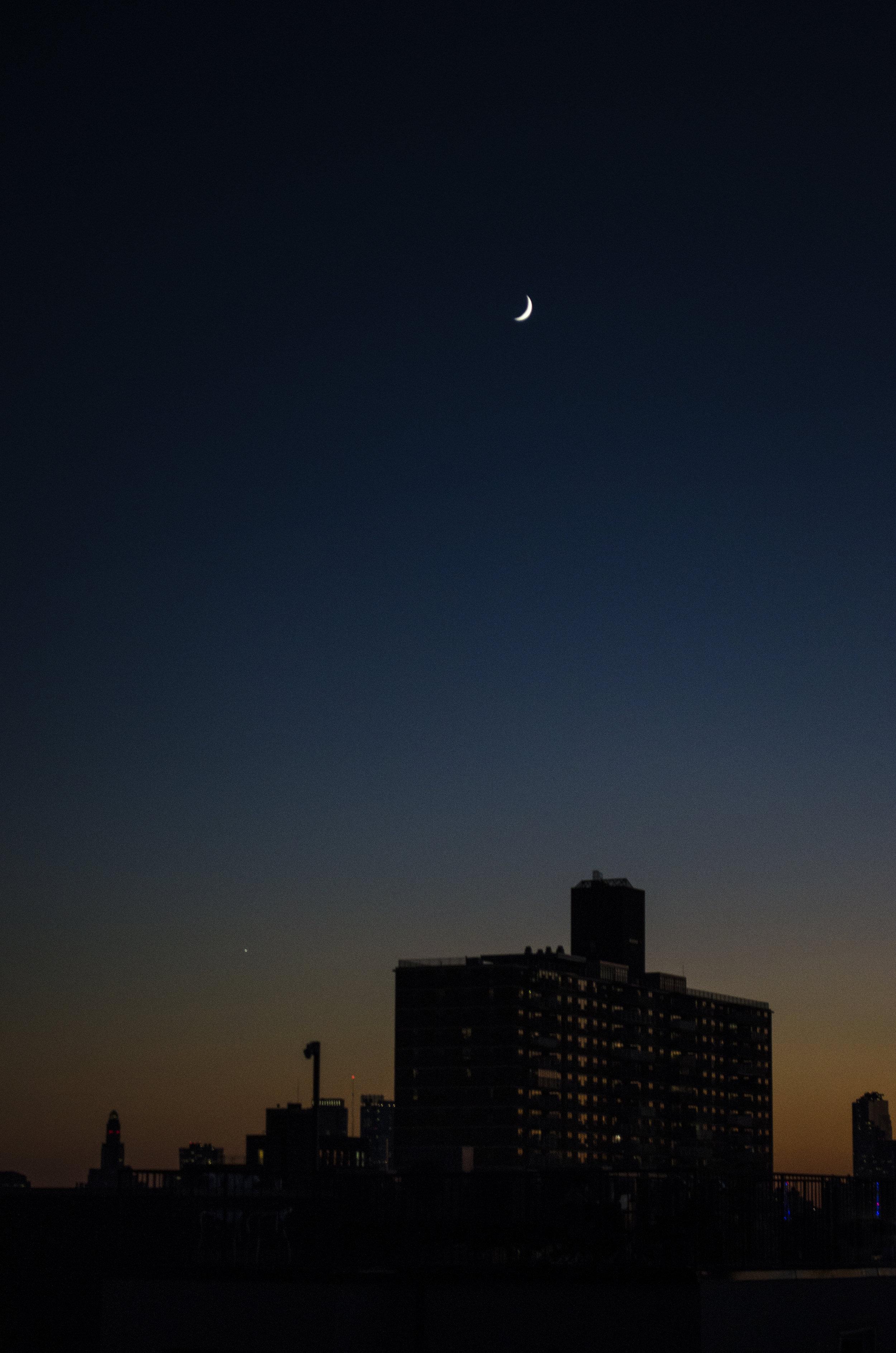 moon-over-manhatta_38247791871_o.jpg