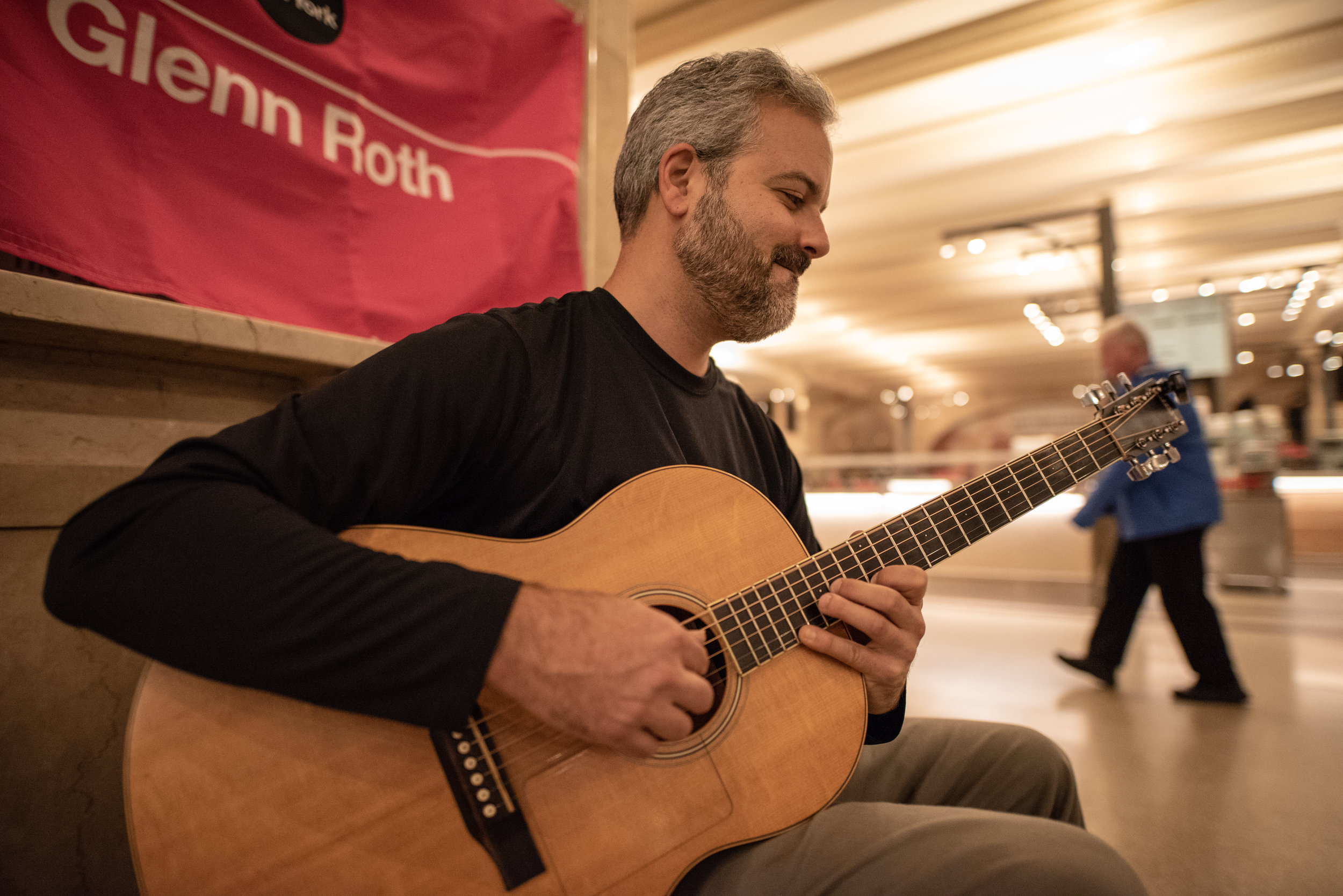 Glenn Roth is a full time musician, dedicated to the craft.