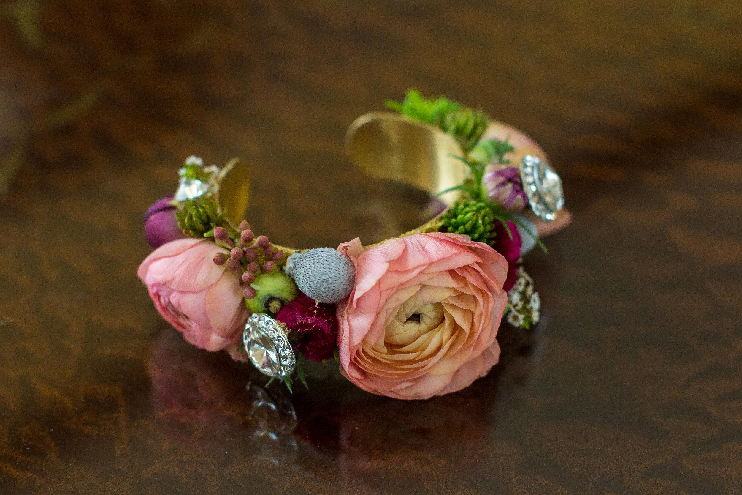 NJ Wedding, Philadelphia Wedding, Flower Cuff, Ranunculus, Tami & Ryan Photography