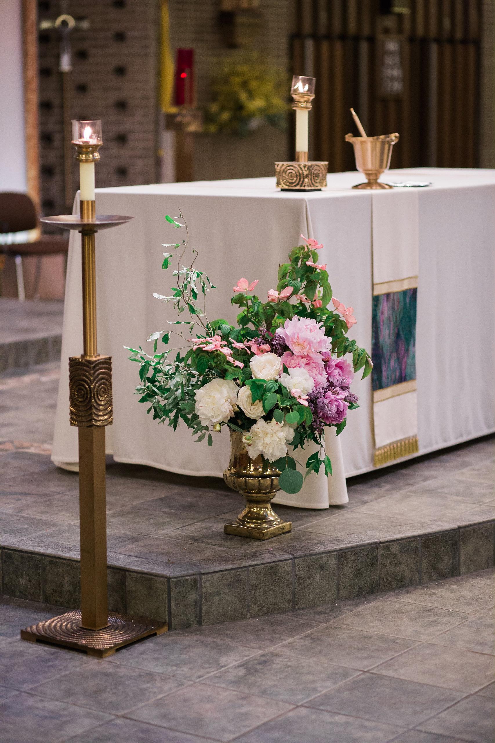golden urn altar arrangement