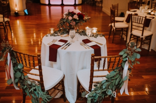sweetheart table - garland