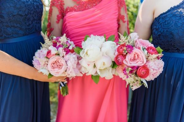 beach wedding - bridesmaids bouquets