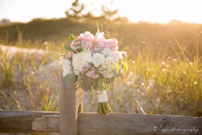 beach wedding - beach bouquet
