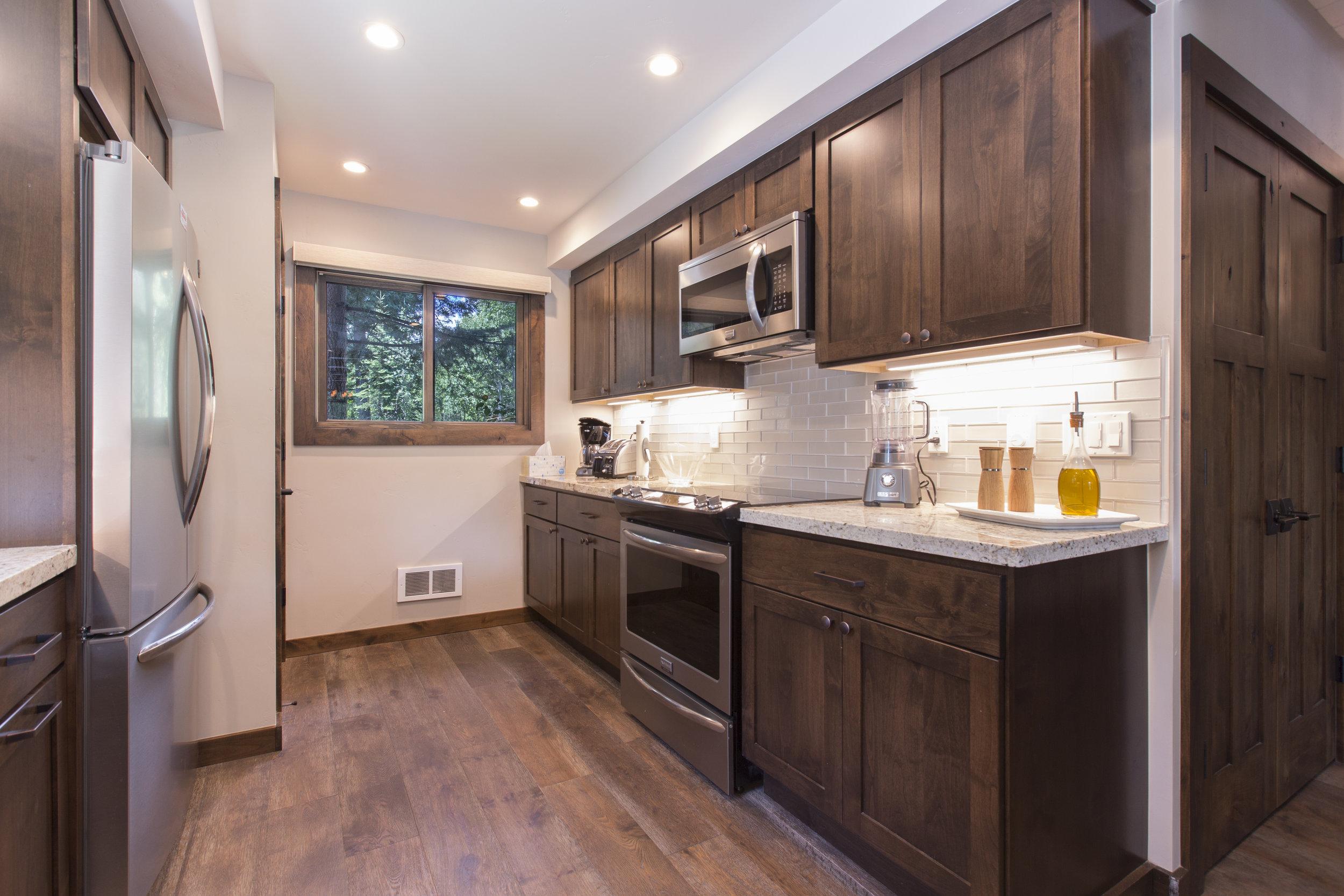 TahoeCity_HartlineConstruction_Kitchen.jpg