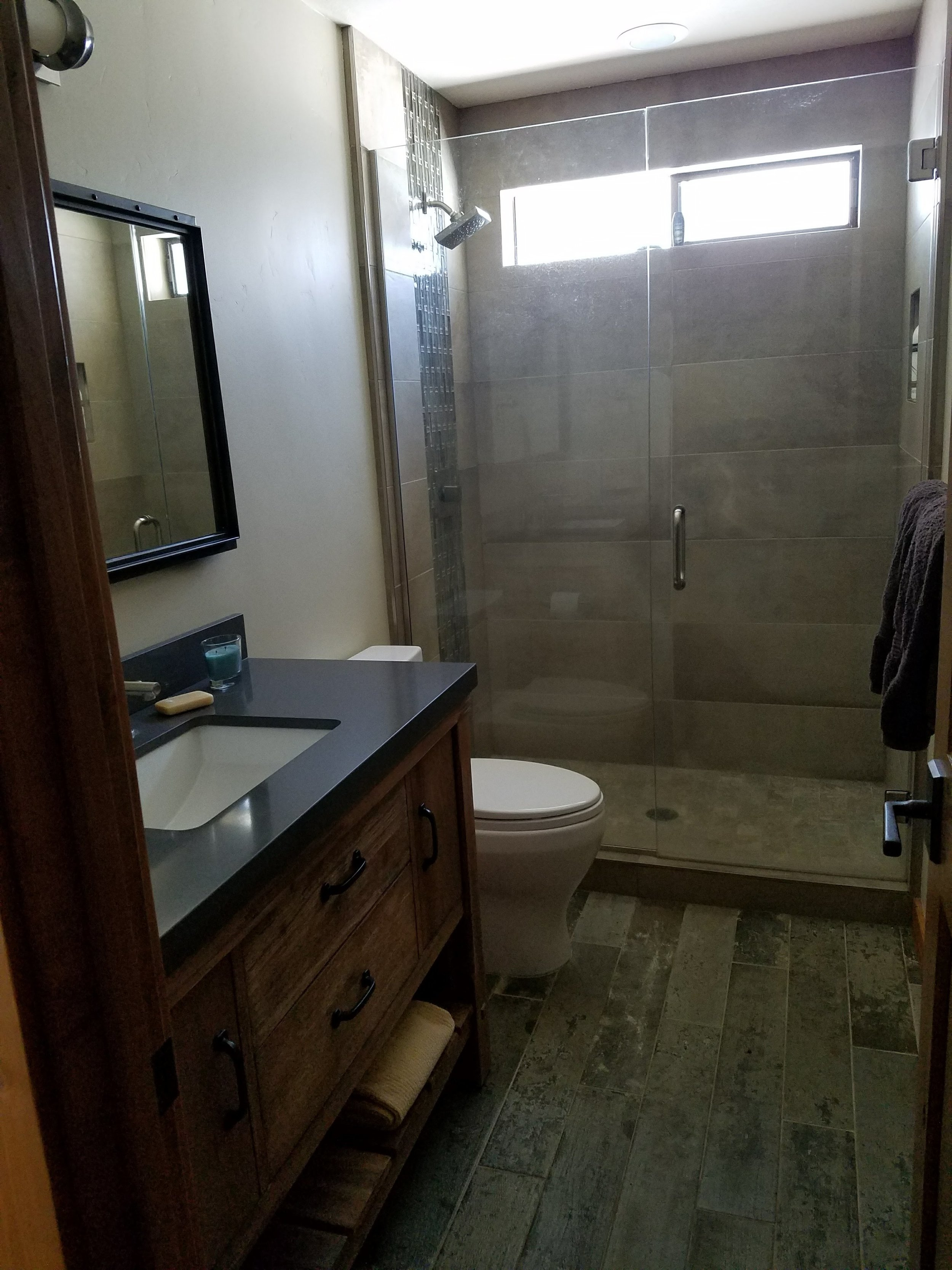 Hartline Bathroom 5.jpg
