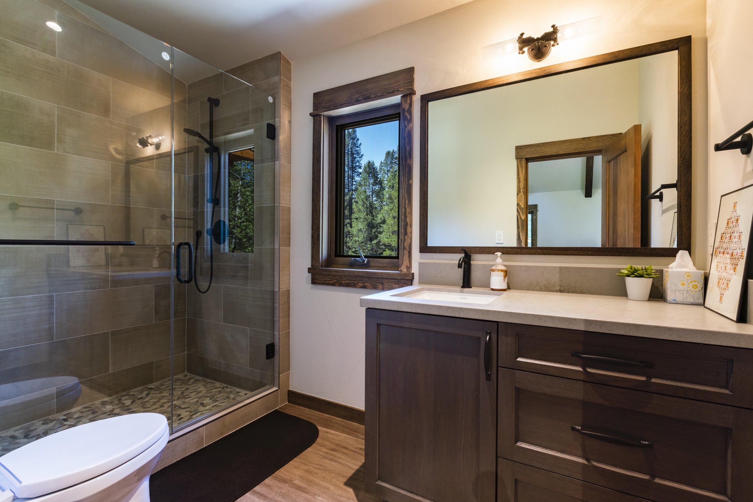 x Hartline ConstructionRiver-Road-Front-Bathroom.jpg