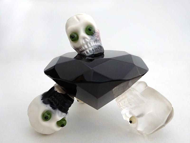 Wayne Youle  Black Diamond , 2009 Greenstone, bone and resin 90 x 110 x 110 mm  _______