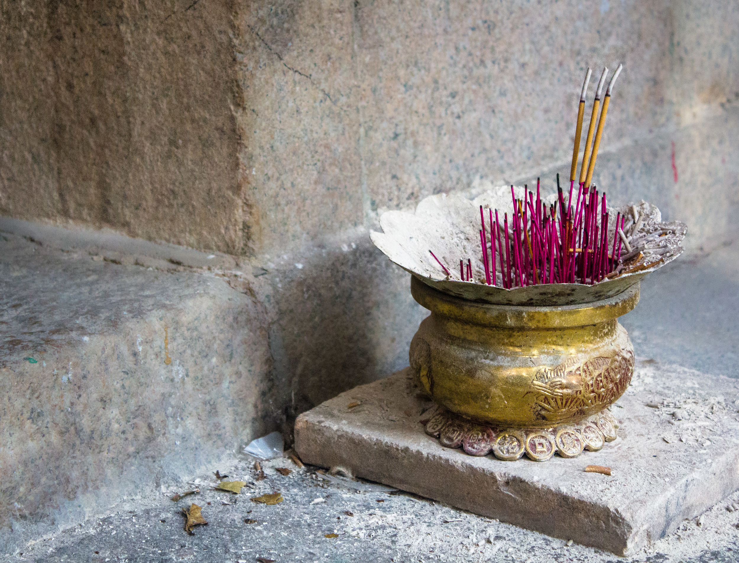 Incense Pot-5.jpg