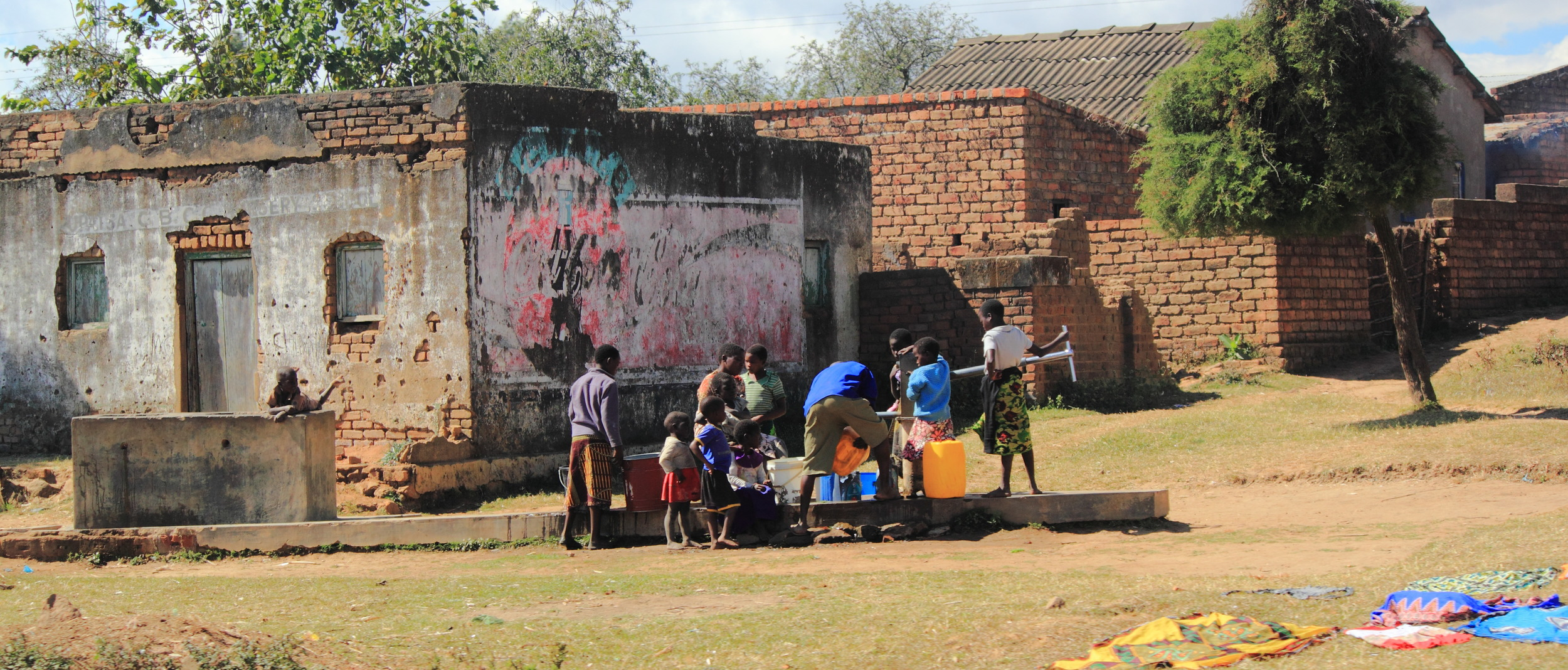 Water Collection at Borehole_01.JPG
