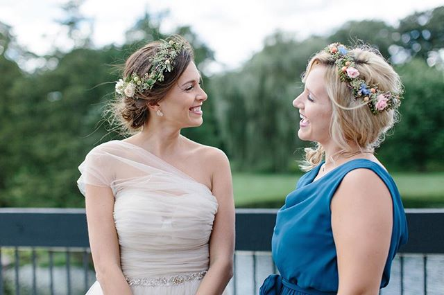 you've seen those photos of bridesmaids looking super stiff in photos, right?  that's not the case here. @nicodemcreative was able to capture this truly authentic moment. why? partly because they hired me to do their makeup and they felt like the best versions of themselves.  p.s. this bridesmaid became one of a my brides a week after this photo was taken. she emailed me immediately to see if i was available for her wedding. she said she felt incredible all night and wanted to feel the same way on her big day.  photo: @nicodemcreative makeup: @jacquelinegamache hair: @renaenaes gown: @elayavan accessories: @bhldn venue: @fishermensinn  #chicagowedding #chicagoweddings #chicagobrideonabudget #theknotillinois #theknotchicago #theknotweddings #weddingwire #makeupartistchicago #muachicago #bridalairbrush #makeupbyjac #soloverly #huffpostido #photobugcommunity #stylemeprettywedding #greenweddingshoes #chicagostyleweddings #weddingmakeup #bhldnchicago #bhldn #anthrobeauty #bhldnbride