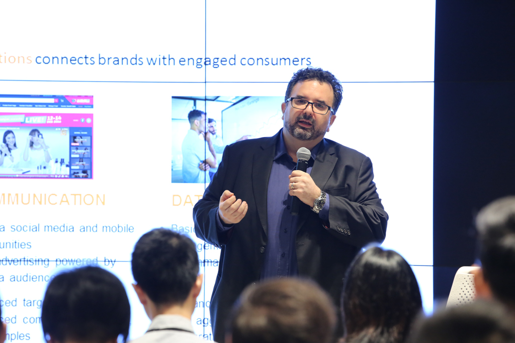 """Will Ross, Chief Executive Officer, Lazada Crossborder (Hong Kong), Lazada Group, speaking on """"Identifying key trends in the new retail to grow online marketplaces""""."""
