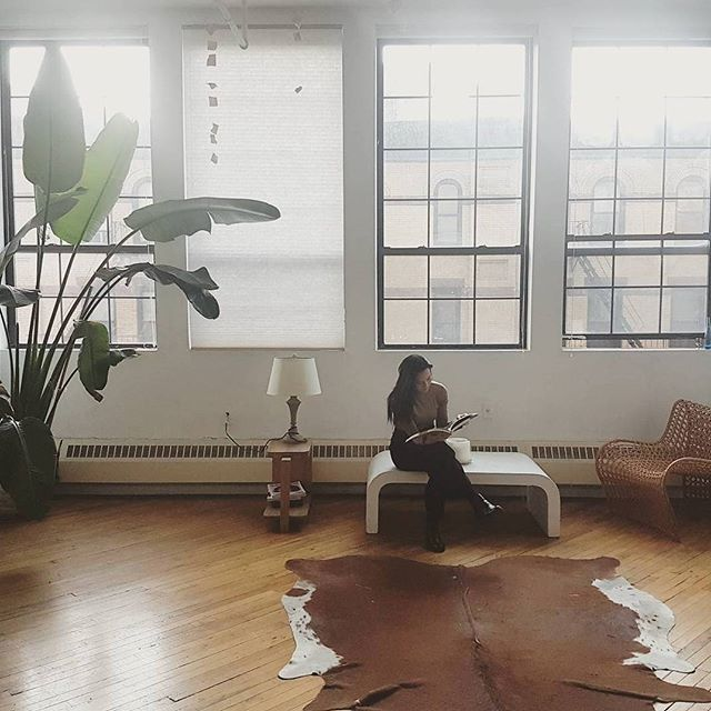 Feeling right at home. . . . #brooklyn #jungalow #plantlover #loft #beautifulspaces #minimal #naturallight #windows #spaces #nyc #home #travel #green #indoorplant