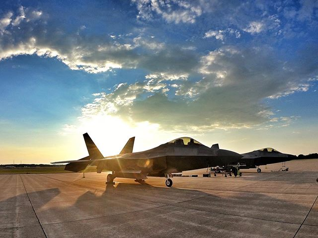 Waking up the F-22 Raptors.  Going to be a beautiful day for airshow and Speedfest. Make sure to come early. #bcspeedfest #bcspeedfest19 #battlecreekspeedfest #f22raptor  #onlyinbattlecreek #battlecreekfieldofflight