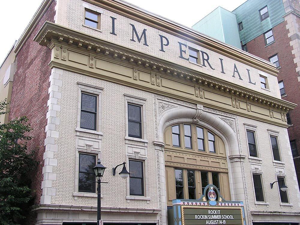Imperial-Theatre-Canada_01.jpg