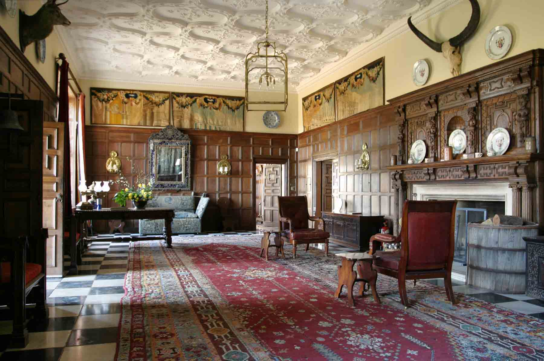Carol_Fulton_Photography_traditional_interiors_Chilham_Castle_035.jpg