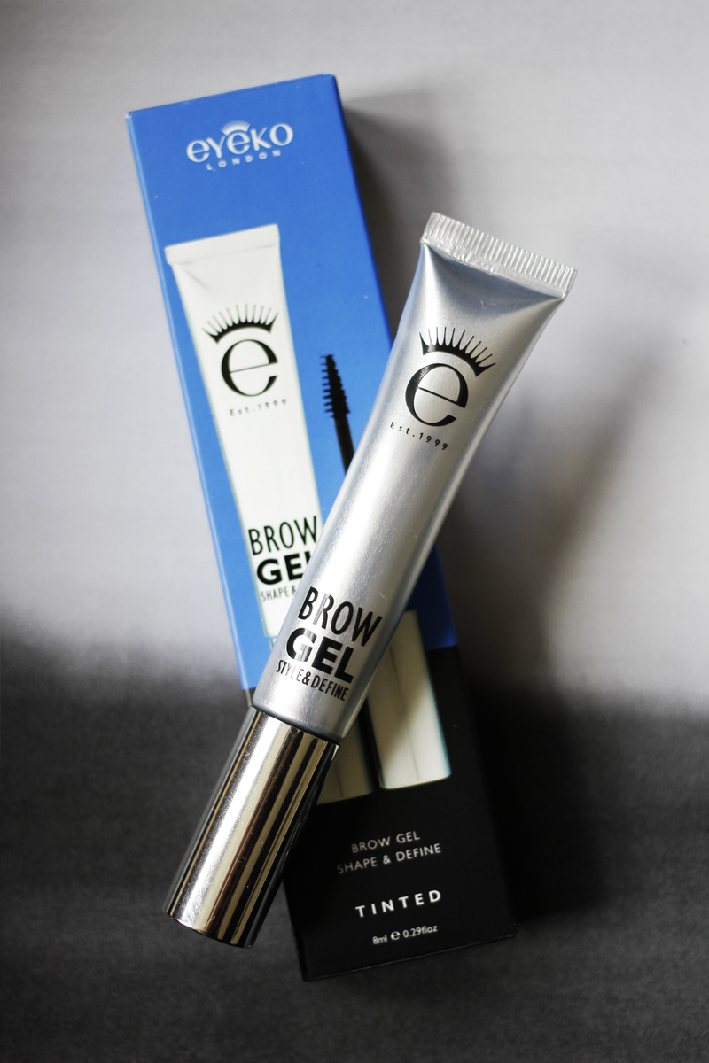 BROW GEL - ____________I just brushed this tinted gel through my eyebrows and it kept them in place all day. Ideal if you can't be bothered doing your eyebrows properly and just want a nice, tidy brow.