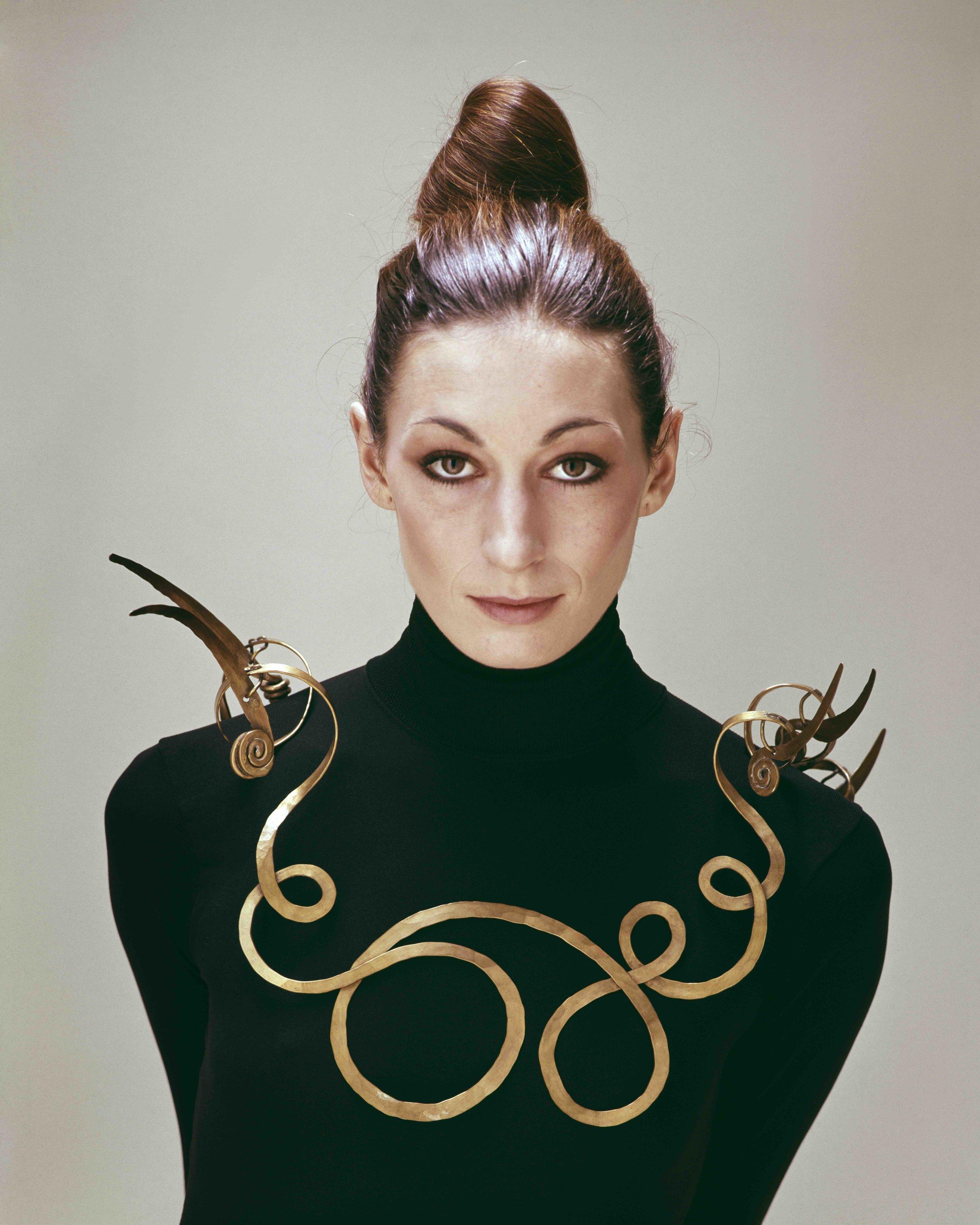 Copyright of Evelyn Hofer Estate_Angelica Houston wearing Alexander Calder.jpg