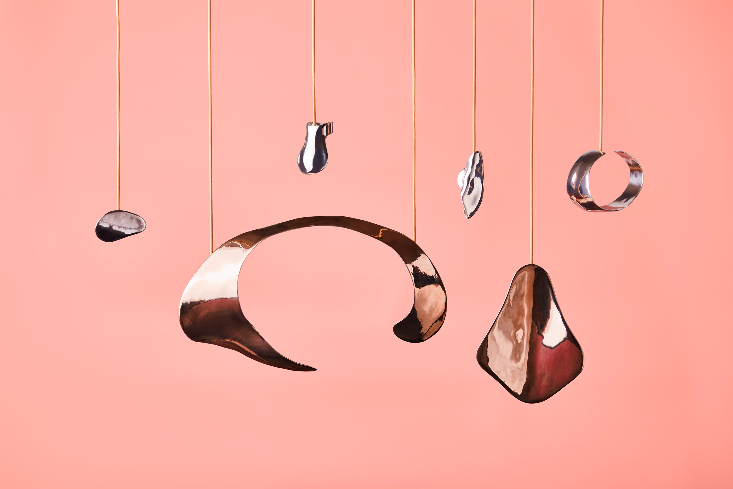 continuation-embracing-touch-series-design-fashion-jewellery_dezeen_2364_col_10.jpg