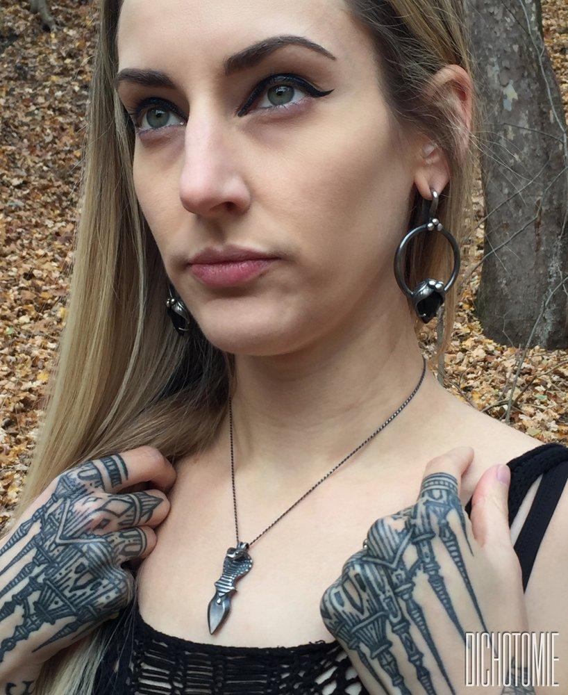 La+Belladonna+Ear+Weights_Black+Onyx_Wearing.jpg
