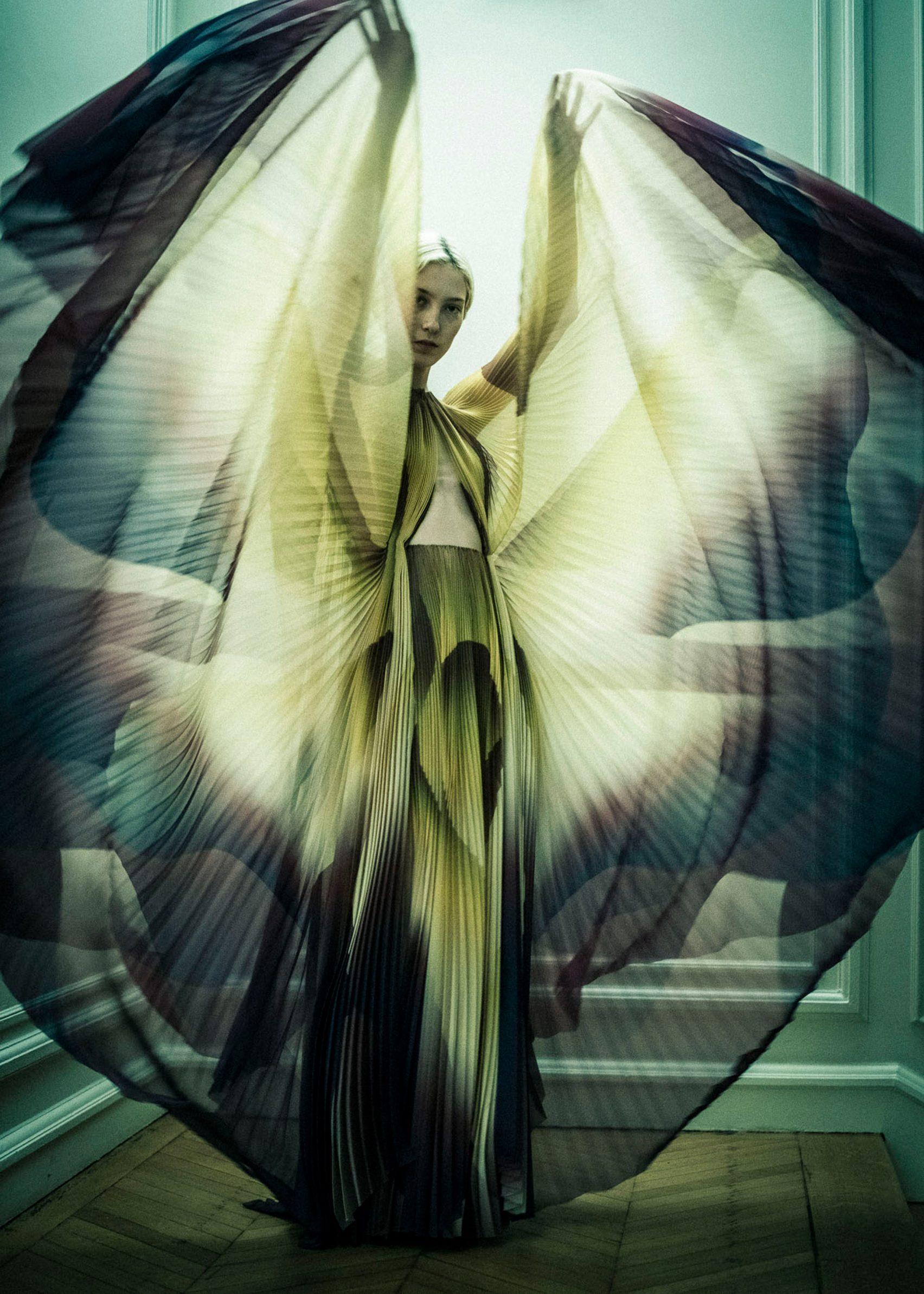 iris-van-herpen-couture-fashion-design_dezeen_2364_col_53-1704x2386.jpg