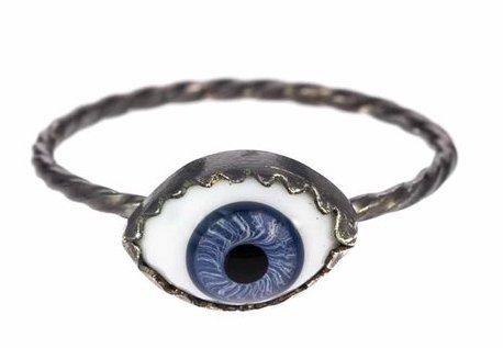 mort-reox.1_grainne_morton_blue_eye_ring.zoom.jpg