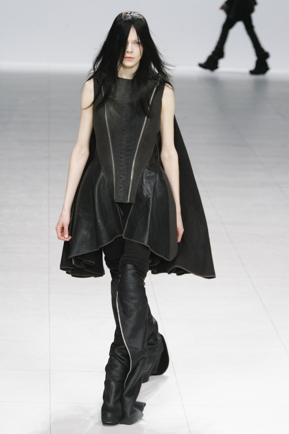 Rick+Owens+Fall+2008+0diNq386DO9x.jpg